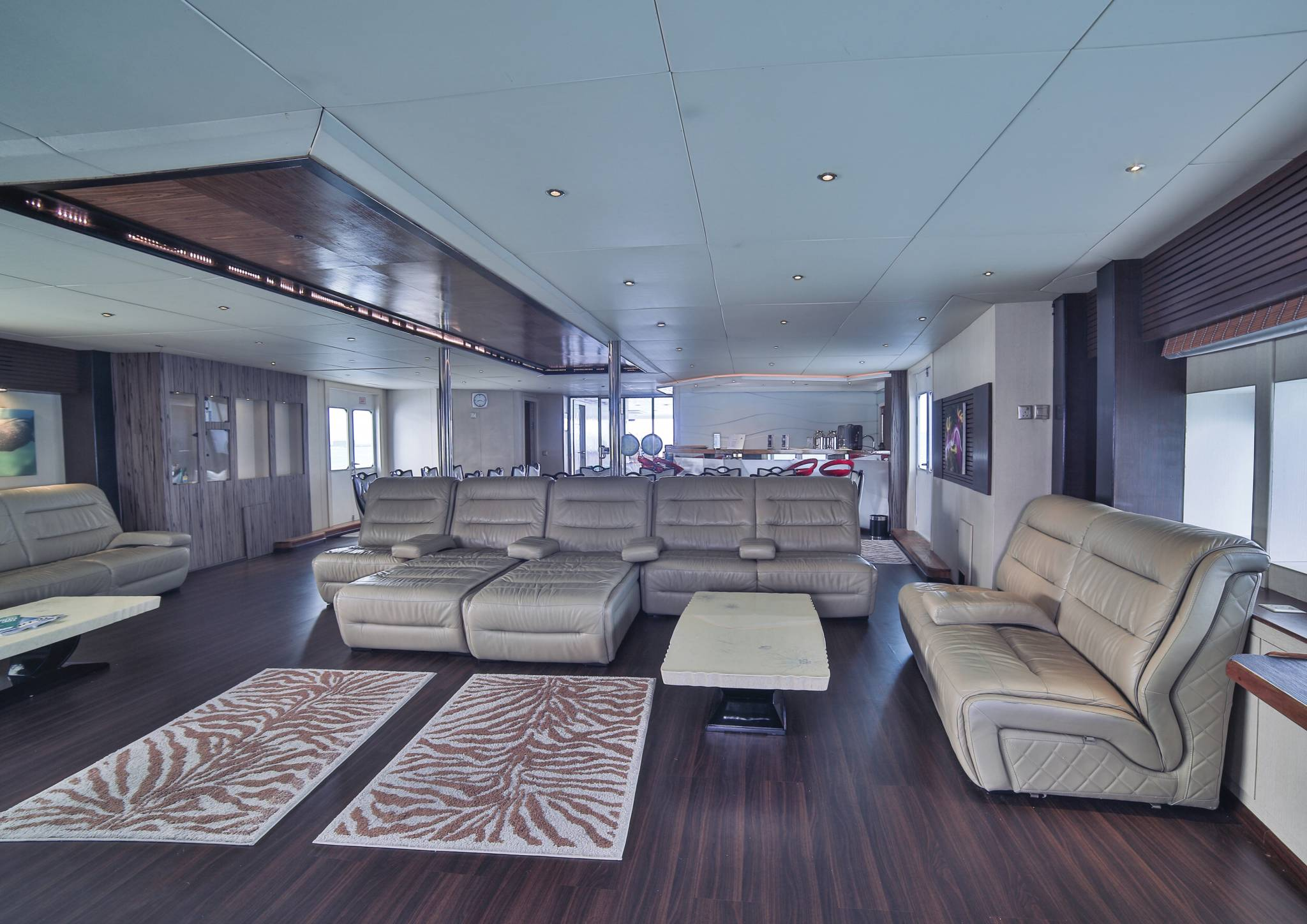 Honors Legacy yacht saloon