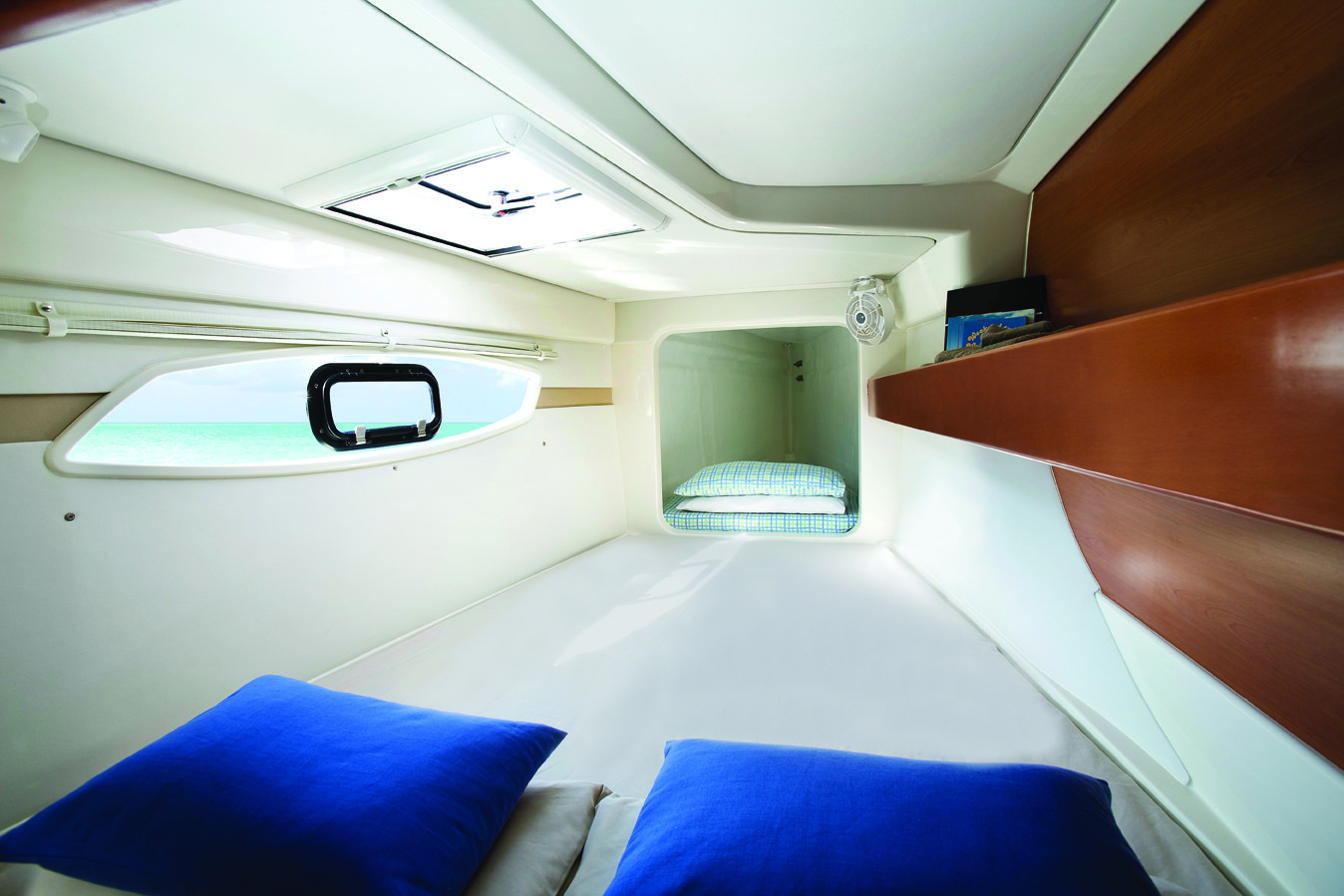 Leopard 384 cabin