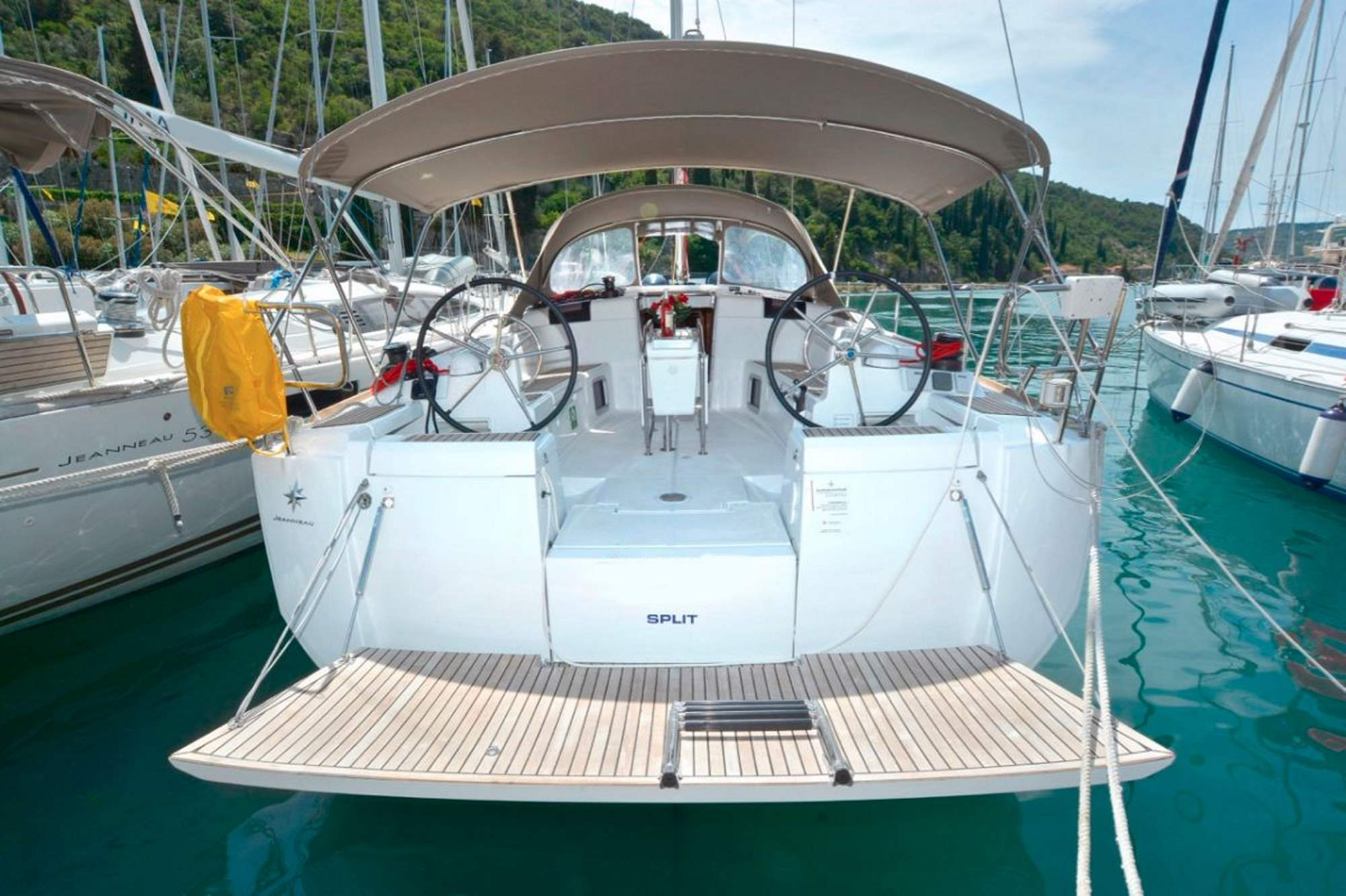 Sun Odyssey 449 steering wheel