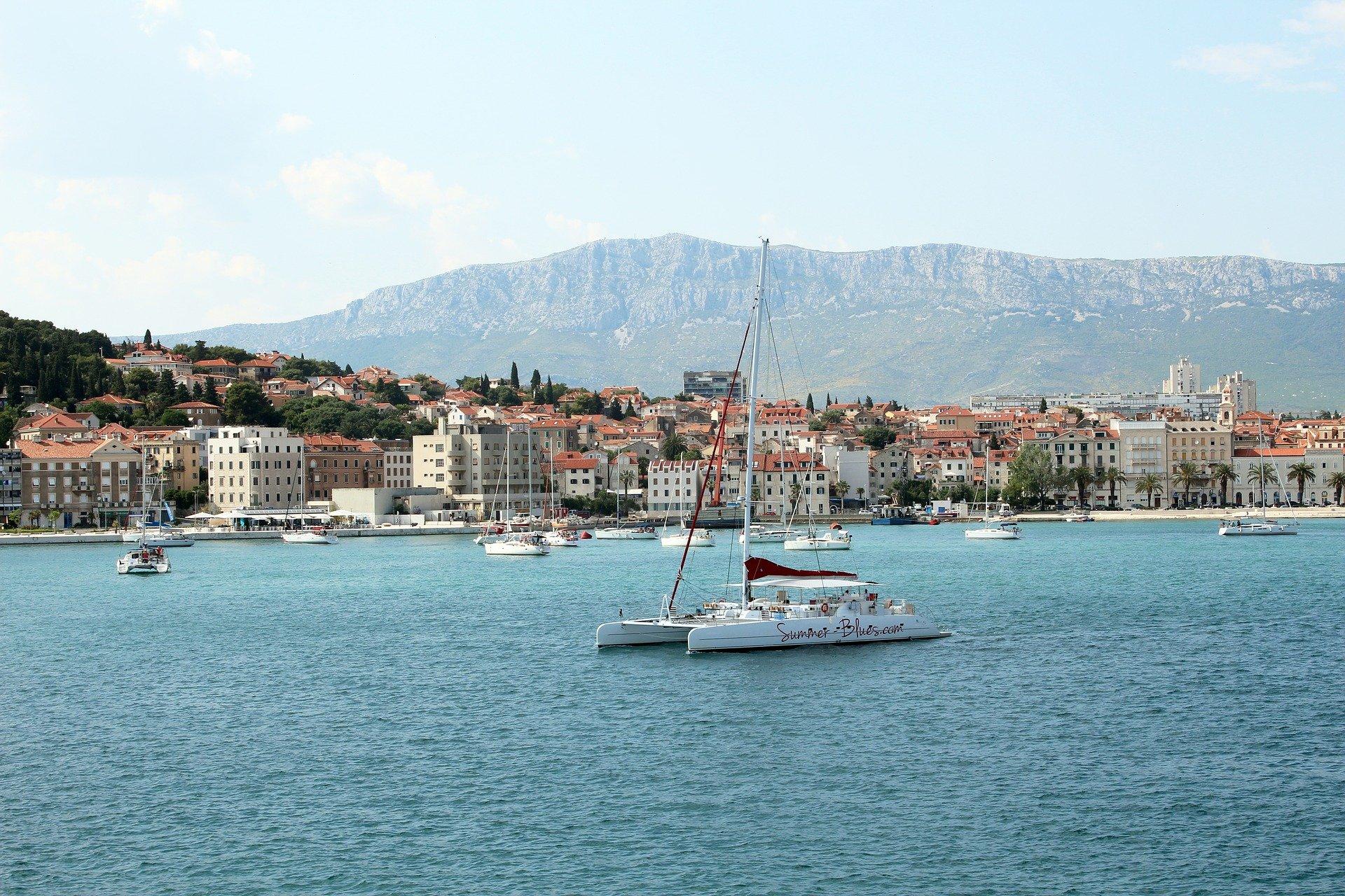 split catamaran