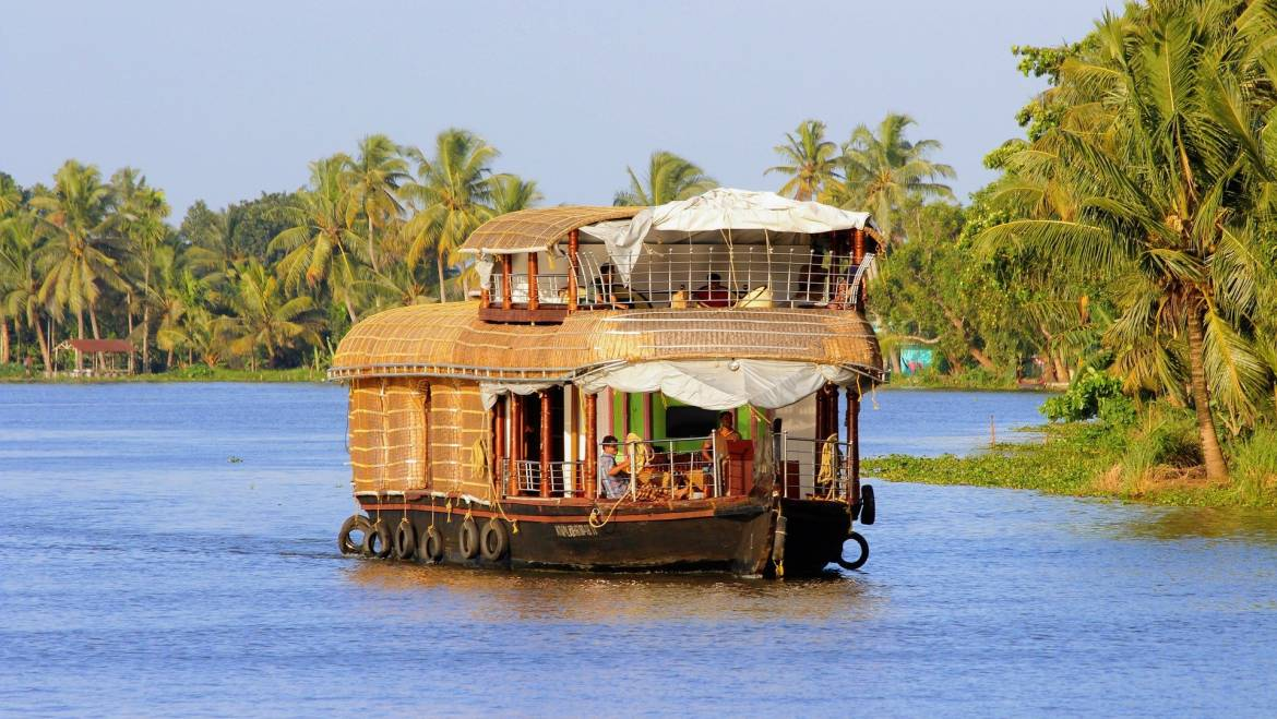 How Much Do Houseboats Cost To Buy?